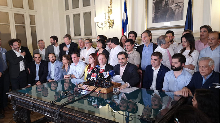 Fuerzas políticas llegan a histórico acuerdo: Plebiscito determinará mecanismo para elaborar nueva Constitución