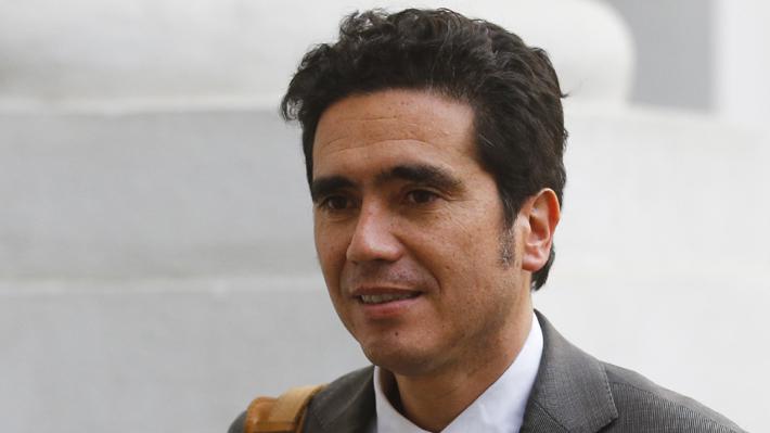 """Briones es optimista tras acuerdo constitucional: """"La economía va a recuperar su senda de crecimiento"""""""