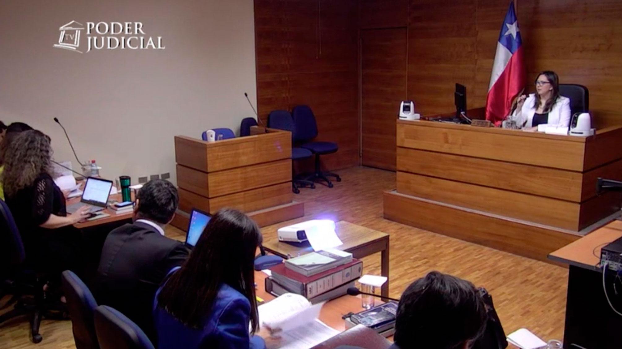 Decretan firma mensual y arraigo nacional para removido ministro de Rancagua Marcelo Vásquez