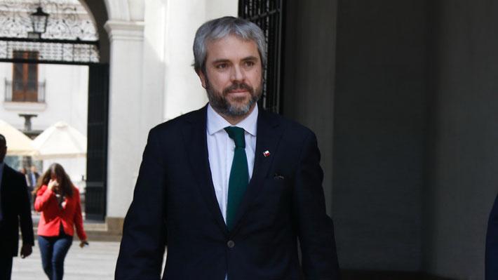 """Blumel tras peticiones de renuncia de general Rozas de Carabineros: """"Dejemos que las instituciones funcionen"""""""