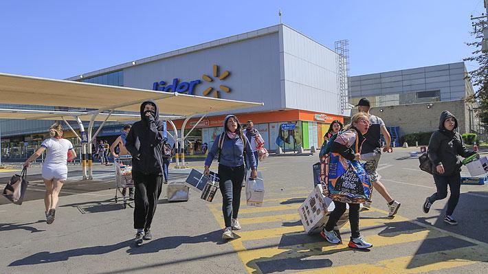 """Walmart presenta acciones legales contra el Estado de Chile por """"incumplir con su deber de garantizar el orden y la seguridad pública"""""""