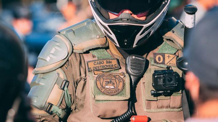 """""""Destroyer"""" o """"Raptor"""": Carabineros investiga si efectivos están usando apodos en operativos por manifestaciones"""