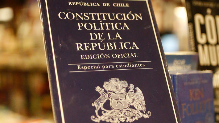 """El debate y las dudas por la """"hoja en blanco"""" que genera el acuerdo para una nueva Constitución"""