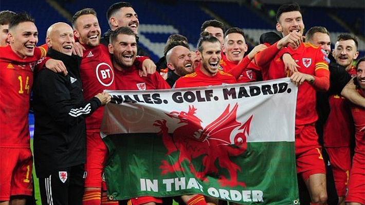 La polémica celebración de Gareth Bale tras la clasificación de Gales a la Eurocopa con la que provoca al Real Madrid