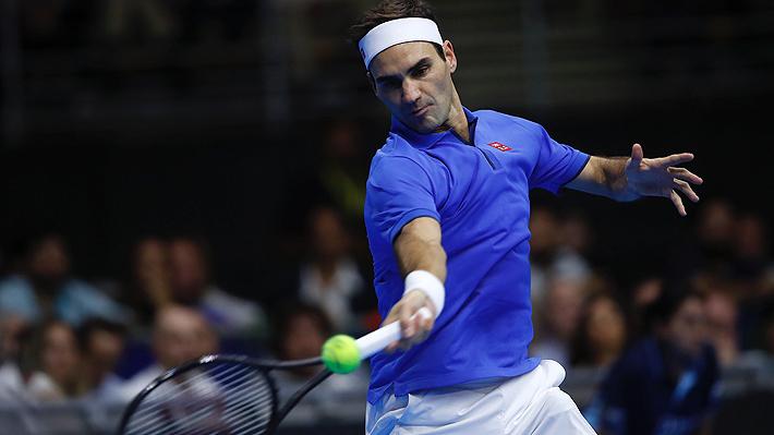 Con un gran ambiente, Federer vence a Zverev en el marco de una inédita exhibición en Santiago