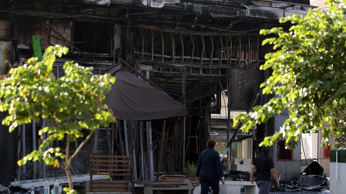 Un fallecido, 54 saqueos, nuevos ataques a cuarteles y cortes de ruta: El balance de Interior de las últimas horas