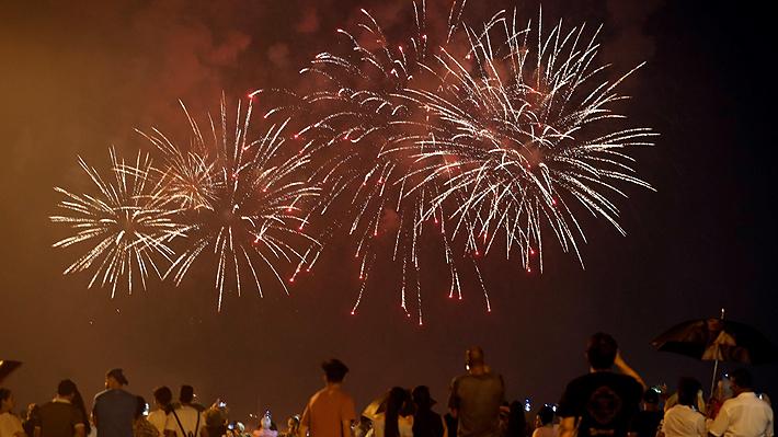 Las Condes se suma a Santiago y también cancela fuegos artificiales de Año Nuevo: Recursos irán a otras comunas