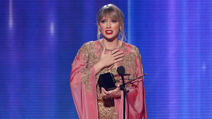 Taylor Swift gana el premio de Álbum Favorito de Pop/Rock en los AMAs e iguala récord de Michael Jackson