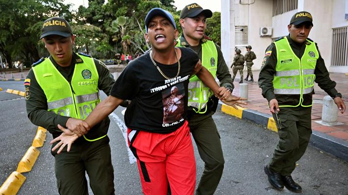 Deportan a 60 extranjeros acusados de infiltrarse en las protestas de Colombia
