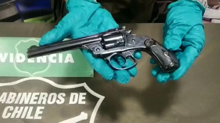 Detienen a conductor por disparo durante manifestación en mall de La Dehesa: En su vehículo portaba dos armas