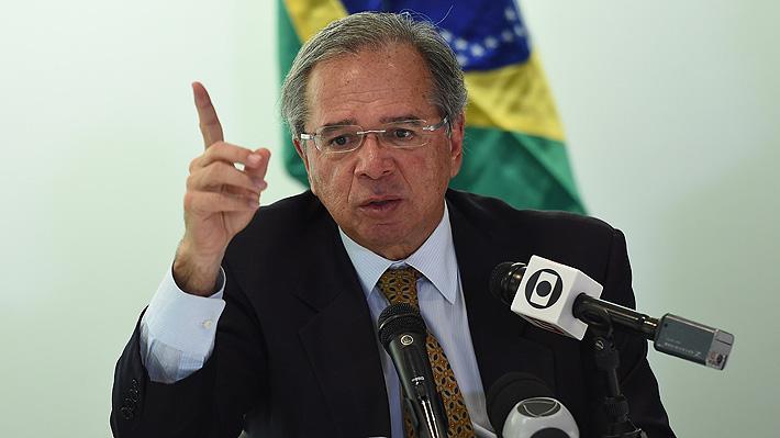 Ministro brasileño genera polémica al sugerir la aplicación de una ley de la dictadura para reprimir protestas