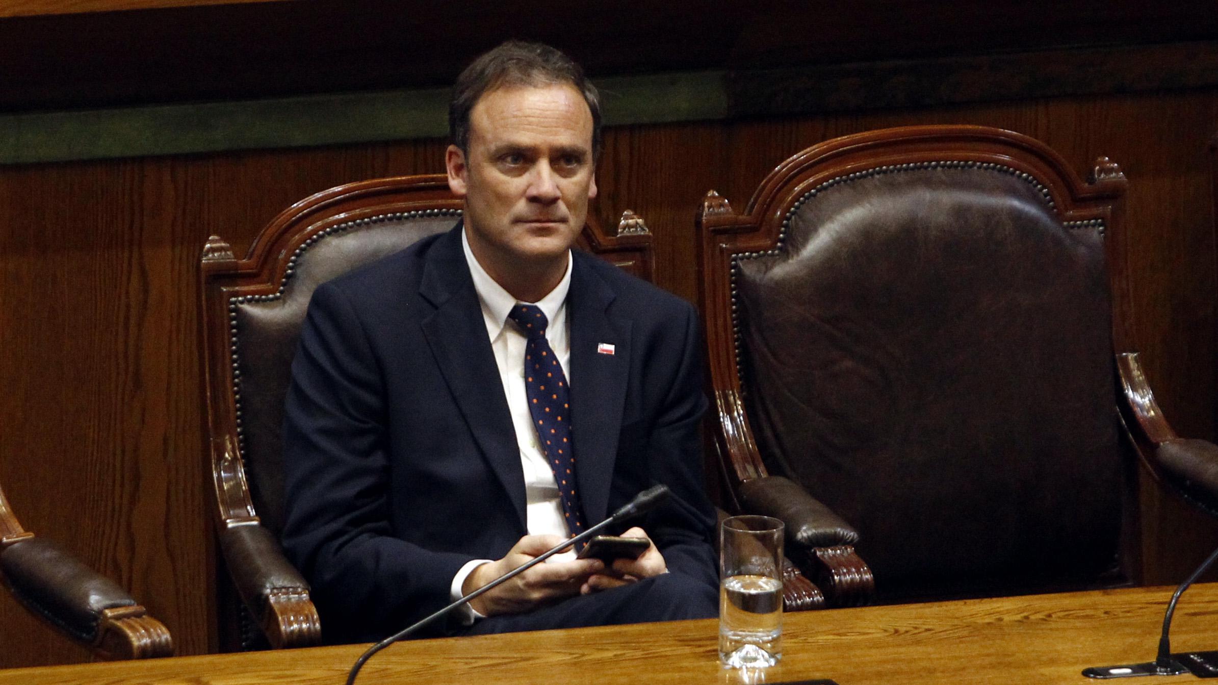Ministro Ward anuncia discusión inmediata para proyectos de seguridad que están en el Congreso