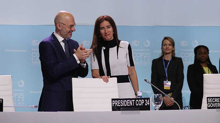 """Comienza la COP25 en Madrid: Schmidt recibe presidencia y señala que """"el mundo nos está mirando, es tiempo de actuar"""""""