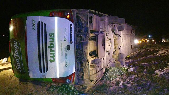 """Empresa de bus que protagonizó faltal accidente en Taltal: máquina y tripulación """"cumplían normativa legal"""""""