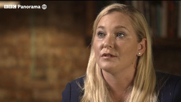 """Mujer que acusa a príncipe Andrés de abuso sexual le pide a los británicos que estén de su """"lado"""""""