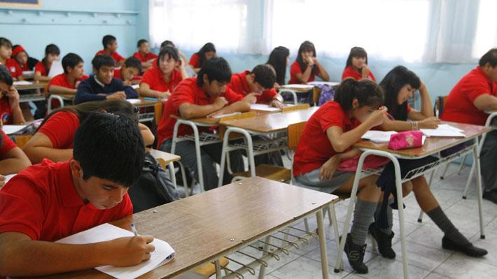 Prueba PISA: Escolares chilenos lideran en Latinoamérica, pero se mantienen bajo el nivel de la OCDE