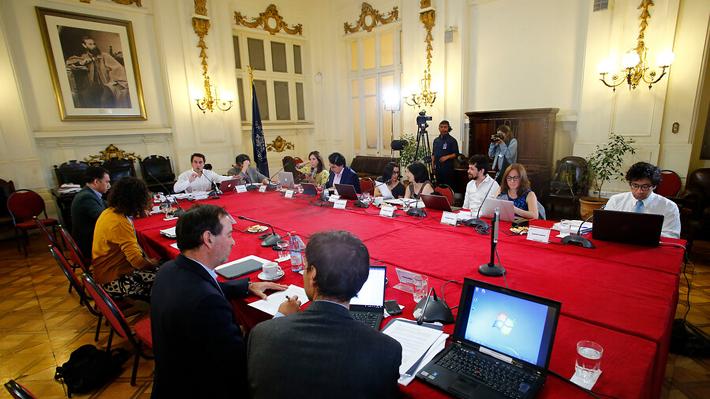 Más delegados para la convención mixta y normas pro participación: Los cambios acordados en la comisión técnica