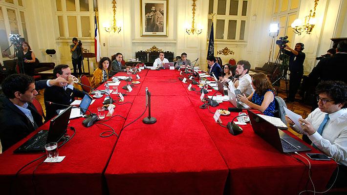 UDI y Evópoli piden más plazo para incorporar acuerdos complementarios a reforma que inicia proceso constituyente