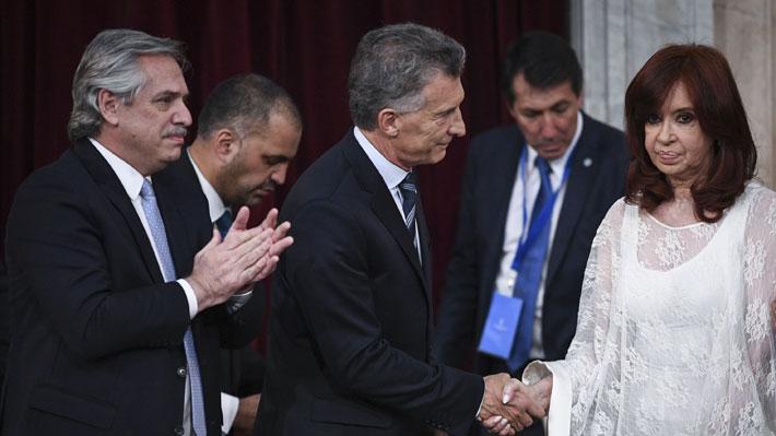 Del sencillo ingreso de Fernández al frío saludo de Cristina a Macri: Lo que dejó el cambio de mando en Argentina