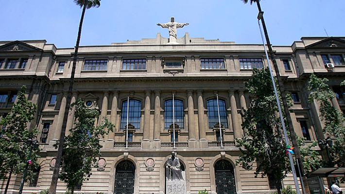 Este jueves obispo Aós recibe terna de donde saldrá el nuevo rector de la UC