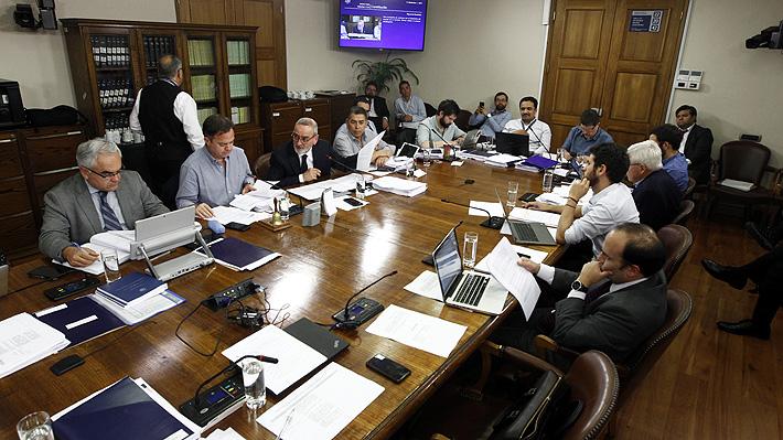 Debate sobre quorums entre oposición y Chile Vamos traba discusión del proceso constituyente en la Cámara