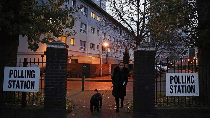 Reino Unido: Colegios electorales abren sus puertas a los comicios clave para el futuro del Brexit