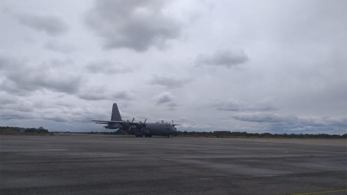 Avión con restos de algunos pasajeros del Hércules accidentado llega a Punta Arenas