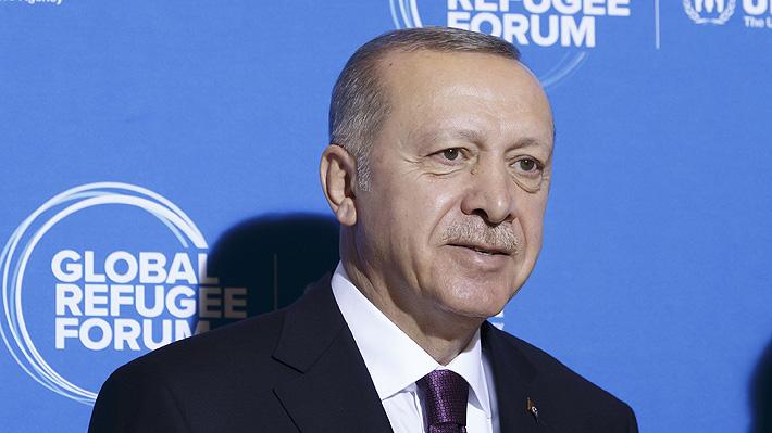 """Erdogan asegura que Turquía se vio """"obligada"""" a intervenir en Siria por la falta de ayuda a los refugiados"""