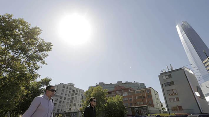 """""""Extremas temperaturas máximas"""": Meteorología informa que este verano será más cálido y seco de lo normal"""
