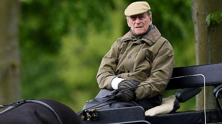 Duque Felipe de Edimburgo es ingresado a un hospital de Londres por recomendación de sus médicos