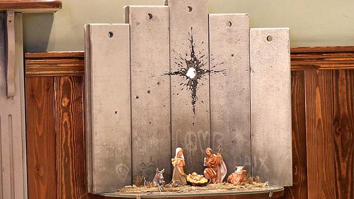 """""""La cicatriz de Belén"""", la nueva obra del artista británico Banksy que muestra un simbólico pesebre de Navidad"""