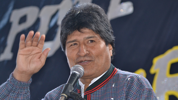 """Gobierno boliviano acusa a Evo Morales de """"usurpar funciones"""" por inaugurar obra desde Argentina"""