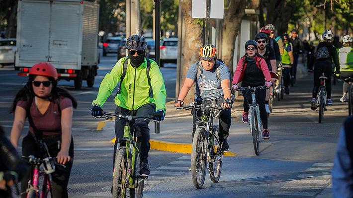 Arbolado, postes e ingresos a edificios: Presentan guía para diseñar ciclovías