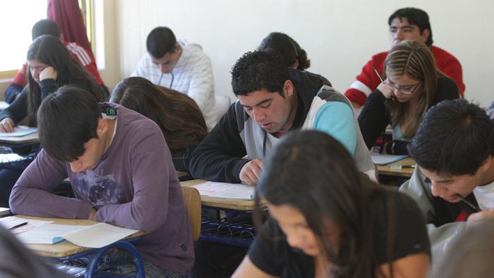 En medio de amenazas a la PSU: Los cambios que se han hecho y los que se harán al sistema de admisión a universidades