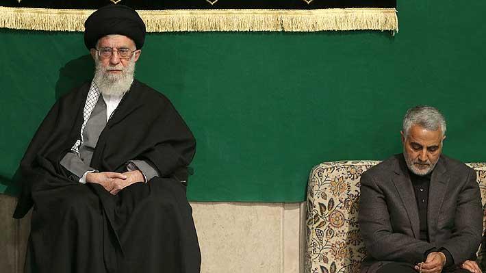 "Líder de la Revolución Islámica de Irán promete ""dura venganza"" contra responsables de la muerte de Soleimani"