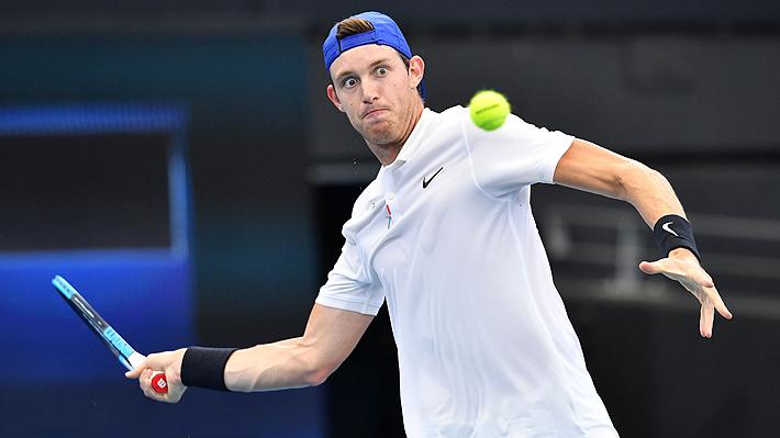 Jarry no pudo sostener su buen arranque y terminó cayendo ante el francés Paire en el debut de Chile en la ATP Cup
