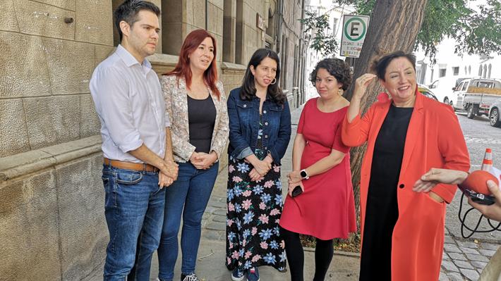 Frente Amplio acusa que propuesta del Gobierno no asegura paridad de género y solo garantiza estabilidad de Chile Vamos