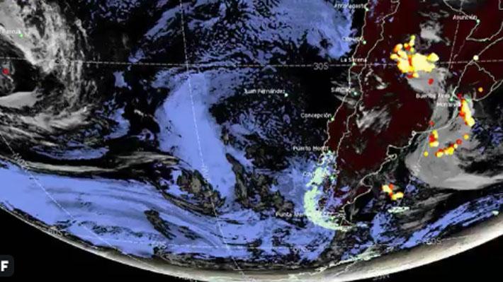Humo de incendios de Australia llega a Chile y nubla los cielos de la zona centro del país