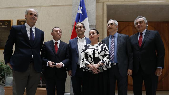 """Ocho de nueve senadores de RN anuncian que votarán por el """"No"""" en el plebiscito del 26 de abril"""