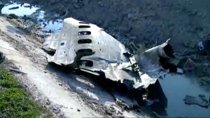 Confirman el fallecimiento de todas las personas que iban a bordo de avión ucraniano siniestrado en Teherán