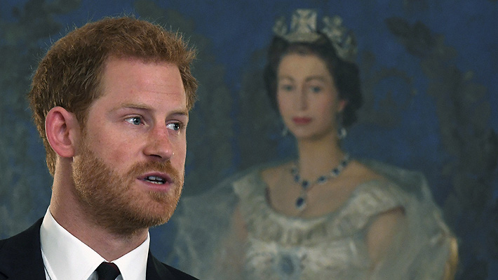 Cuánto es el patrimonio actual del príncipe Harry que le permitiría distanciarse de la familia real