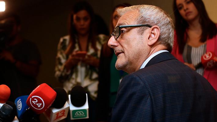 Rector Valle dice que se les aplicará el reglamento a quienes interrumpieron la PSU y no podrían rendir la prueba