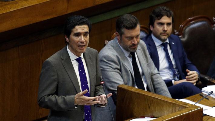 """Briones instala el """"reformismo realista"""" en interpelación marcada por interrupción por falta de quórum"""