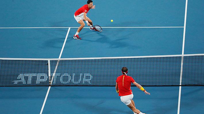 Djokovic gana un partido terrible a Nadal y la final de la ATP Cup se define en un infartante dobles