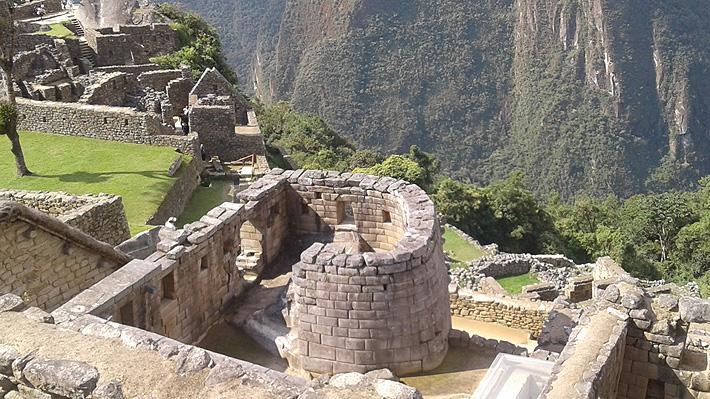Chileno fue detenido junto a otros 5 turistas por dañar y defecar en templo de Machu Picchu