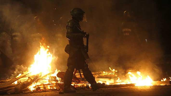 Ataques en al menos cuatro comisarías de distintas comunas de Santiago dejan varios detenidos