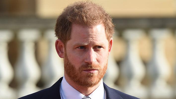 Príncipe Harry realiza primera aparición pública tras anuncio de dar un paso atrás en su cargo dentro de la familia real