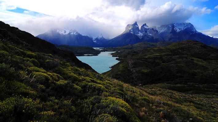 CONAF presenta denuncia contra turista que realizó dibujo en roca del Parque Nacional Torres del Paine