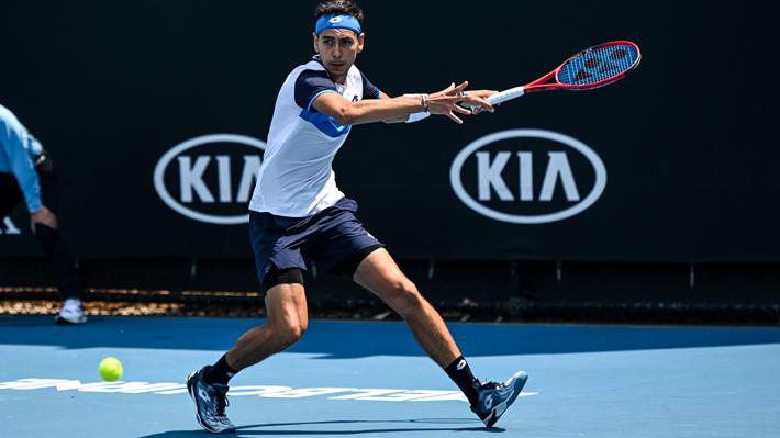 """""""Tabilo se destapa en Melbourne"""": Sitio de la ATP le dedica nota al chileno tras su clasificación al cuadro principal de Australia"""