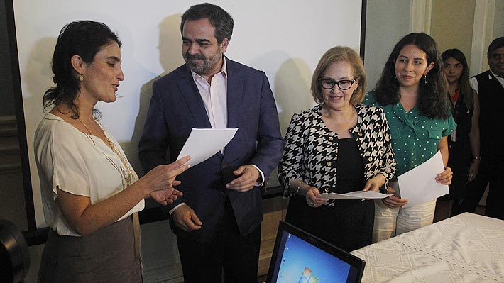 Oposición entrega propuesta de pensiones al Gobierno: Piden que 6% de cotización adicional vaya a reparto